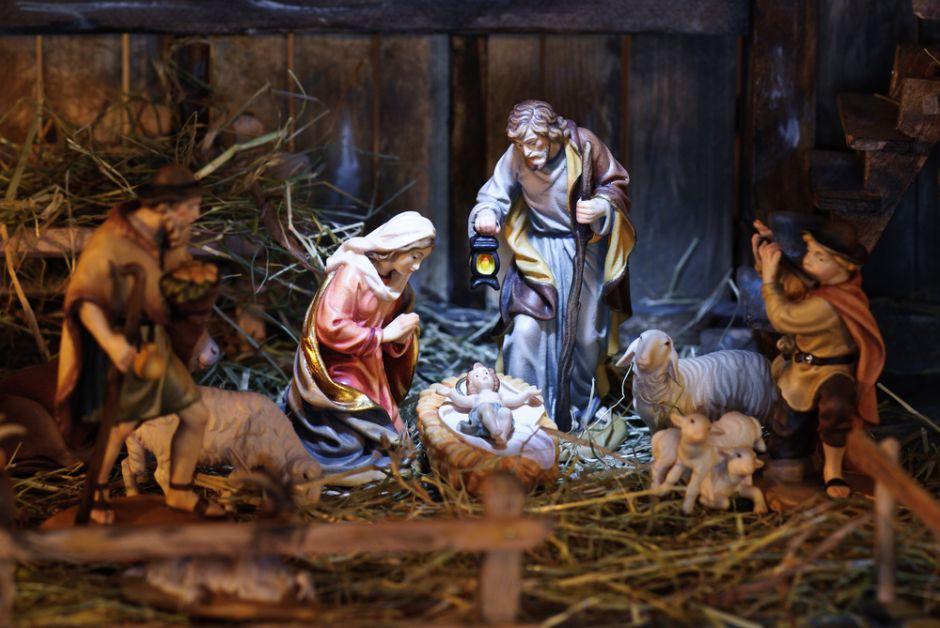 Immagini Sacre Natale.Candele Elettriche E Lumini Elettrici Lumada Il Natale